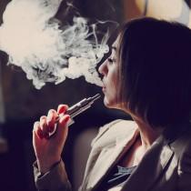 El cigarrillo electrónico no es una solución para dejar de fumar.